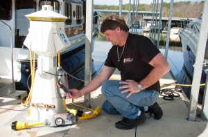 Checking a boat with the Stray Current Sensor